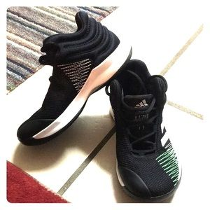 Brand new Boys Adidas Basketball shoes super Hot!!